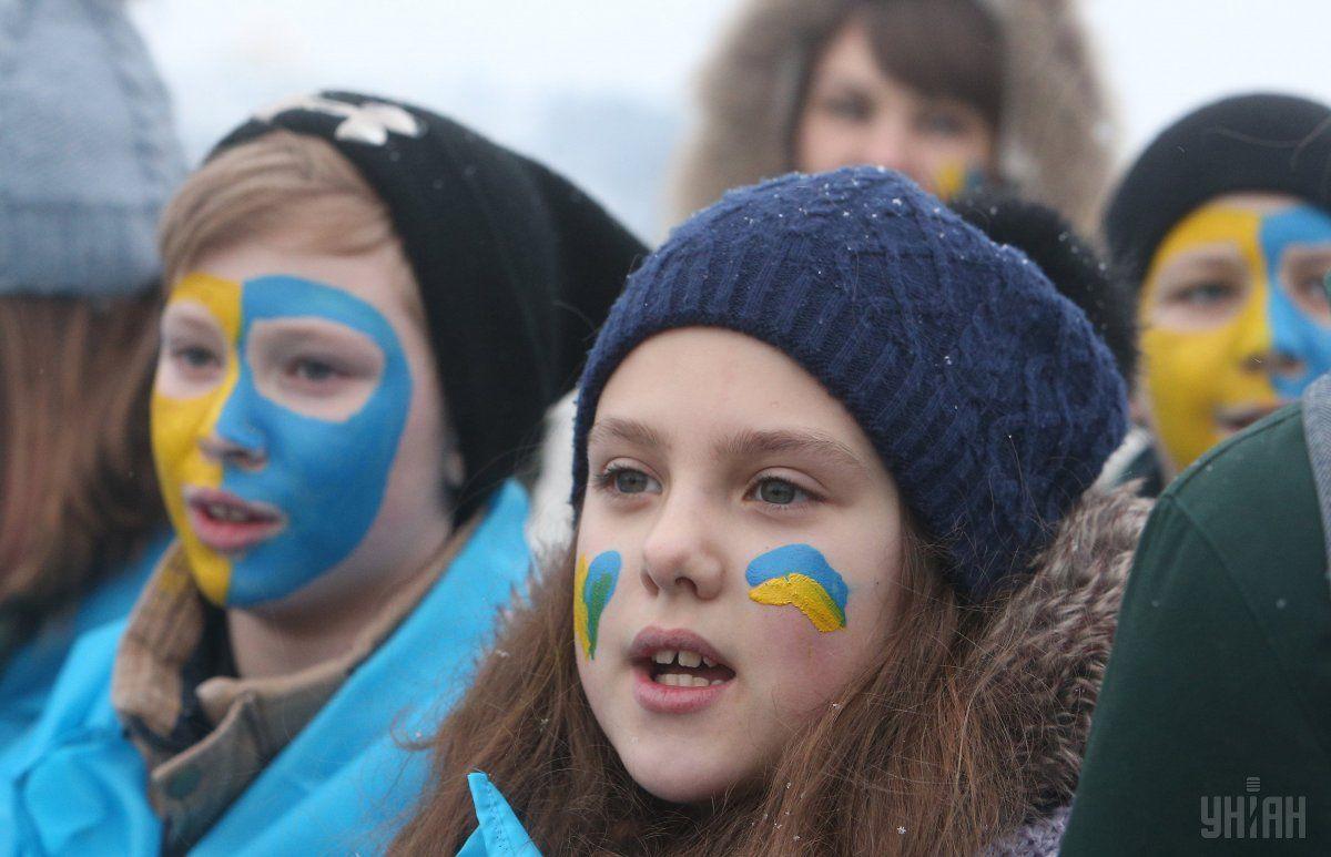 В День Соборности главной традицией является построение «живой цепи» \ УНИАН