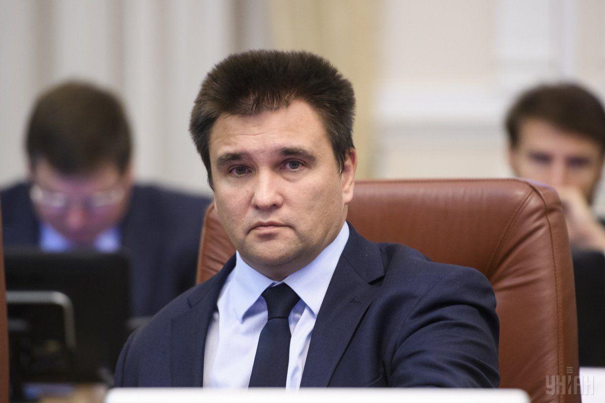 Клімкін зазначив, що Міносвіти підвищуватиме їхню кваліфікацію для викладання українською \ УНІАН