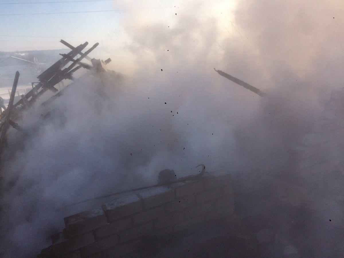 В результате пожара погибло около 5 тысяч голов птицы / фото dp.dsns.gov.ua