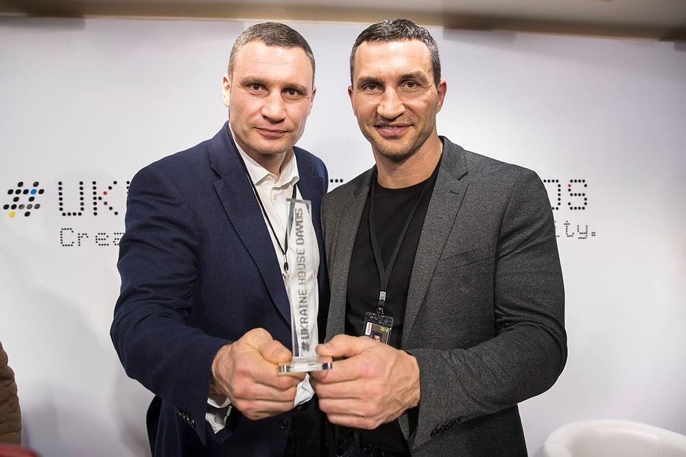 Володимир і Віталій Кличкиувійшли доКнигирекордів Гіннесса / klitschko-brothers.com