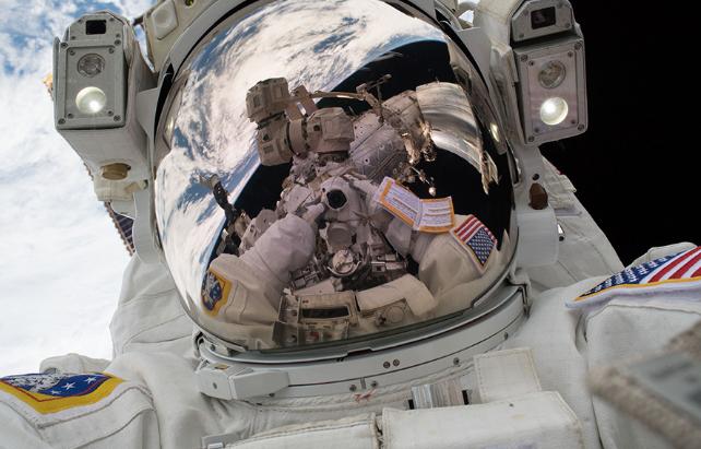 Міжнародна космічна станція була пошкоджена після зовнішнього впливу / фото nasa.gov