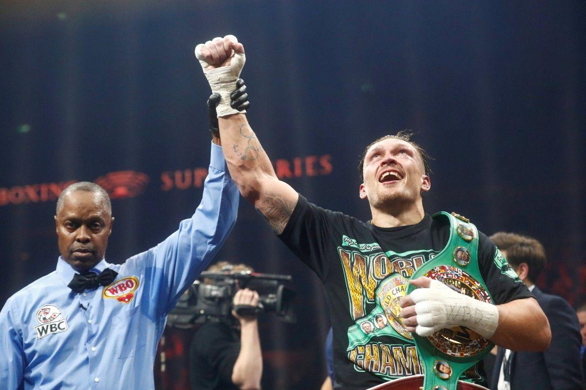 Олександр Усик здобув найтяжчу перемогу над Майрисом Бриедисом / REUTERS