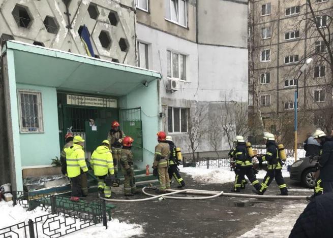 УКиєві сталася пожежа вбагатоповерхівці: загинула людина, щедвоє - у лікарні