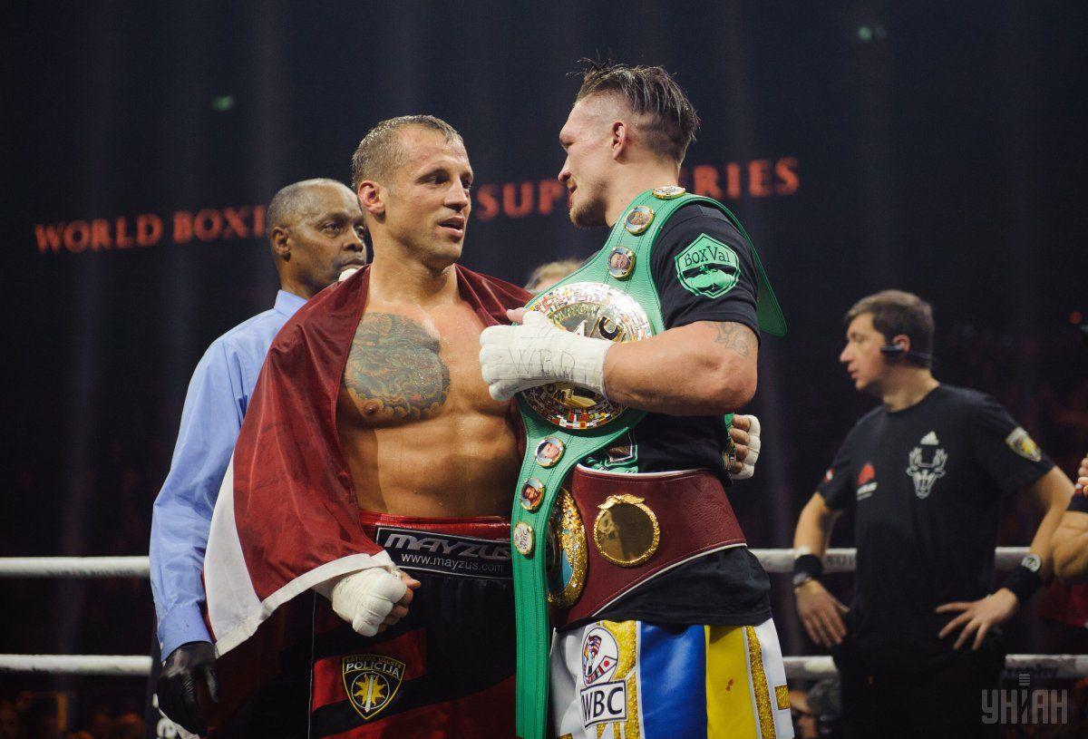 Усик победил Бриедиса и вышел в финал Всемирной боксерской суперсерии / УНИАН