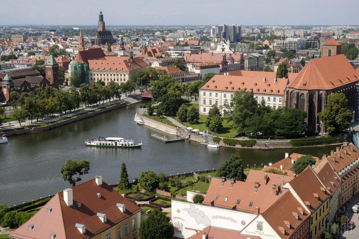 Вобщественном транспорте польского Вроцлава ввели украинский язык