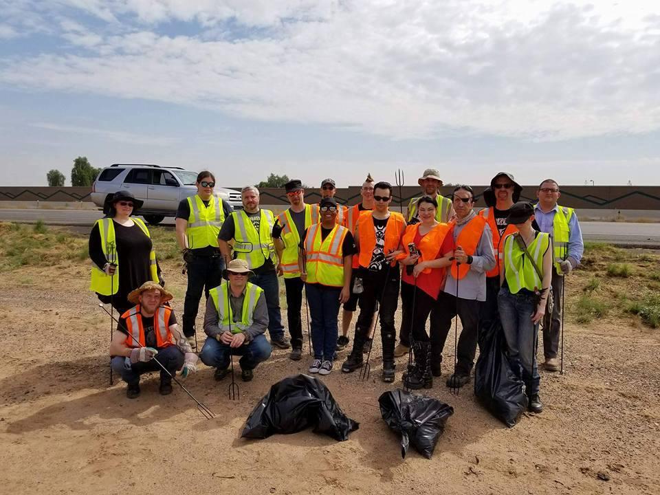 В Аризоне сатанисты с вилами зачистили шоссе / Facebook - The Satanic Temple - Arizona Chapter