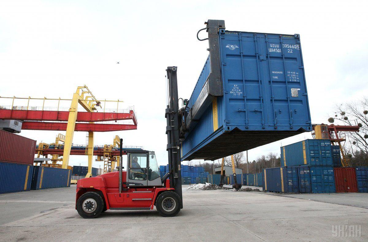 «Укрзалізниця» запустила контейнерний поїзд / фото УНІАН