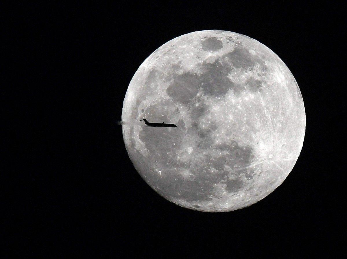 Місяць / REUTERS