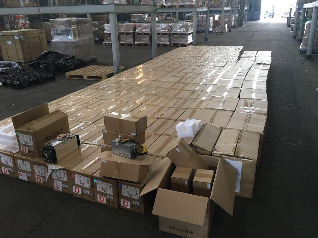 Митники викрили спробу нелегального ввезення до України 200 відеокарт для майнінгу / ДФС