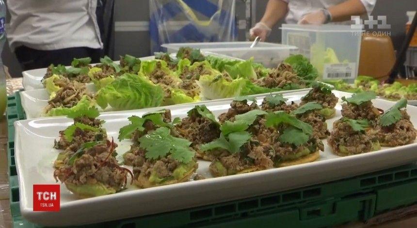 На форуме в Давосе гостей накормили эко-котлетами из растений (видео)