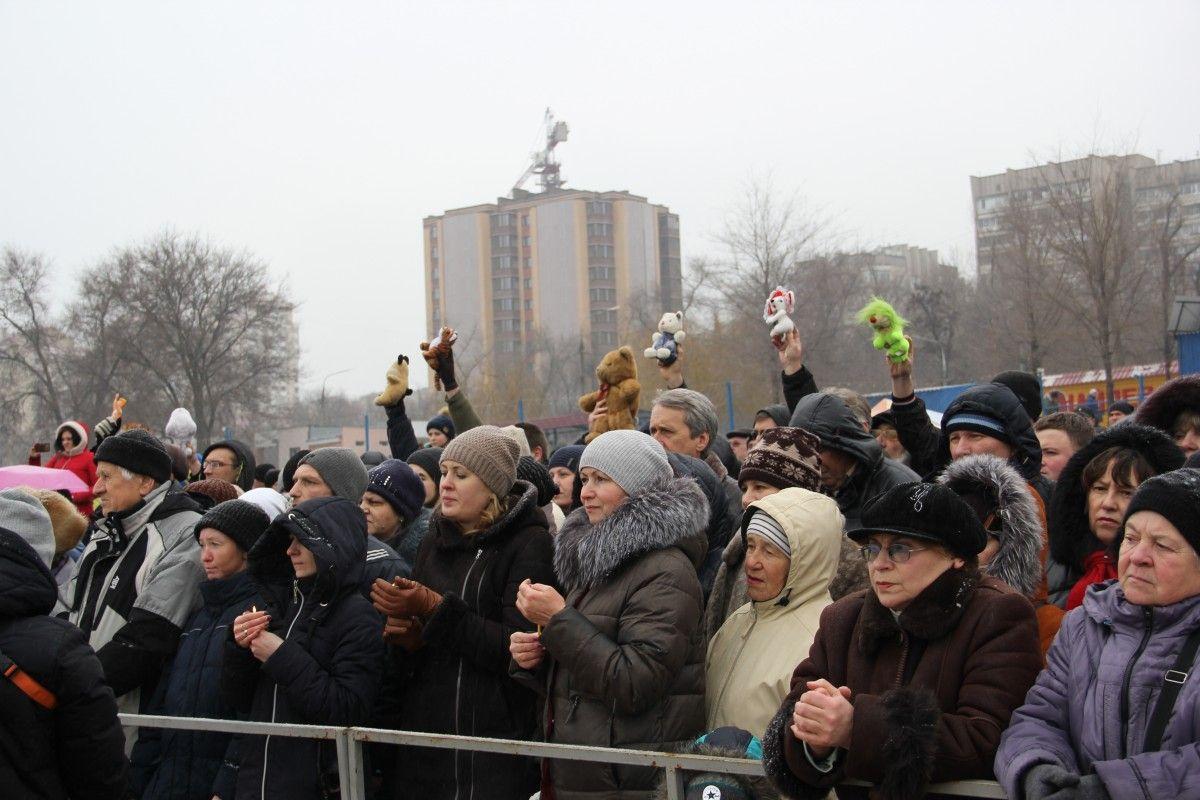 Акция протеста в праздник Крещения на Центральном пляже Запорожья / inform.zp.ua