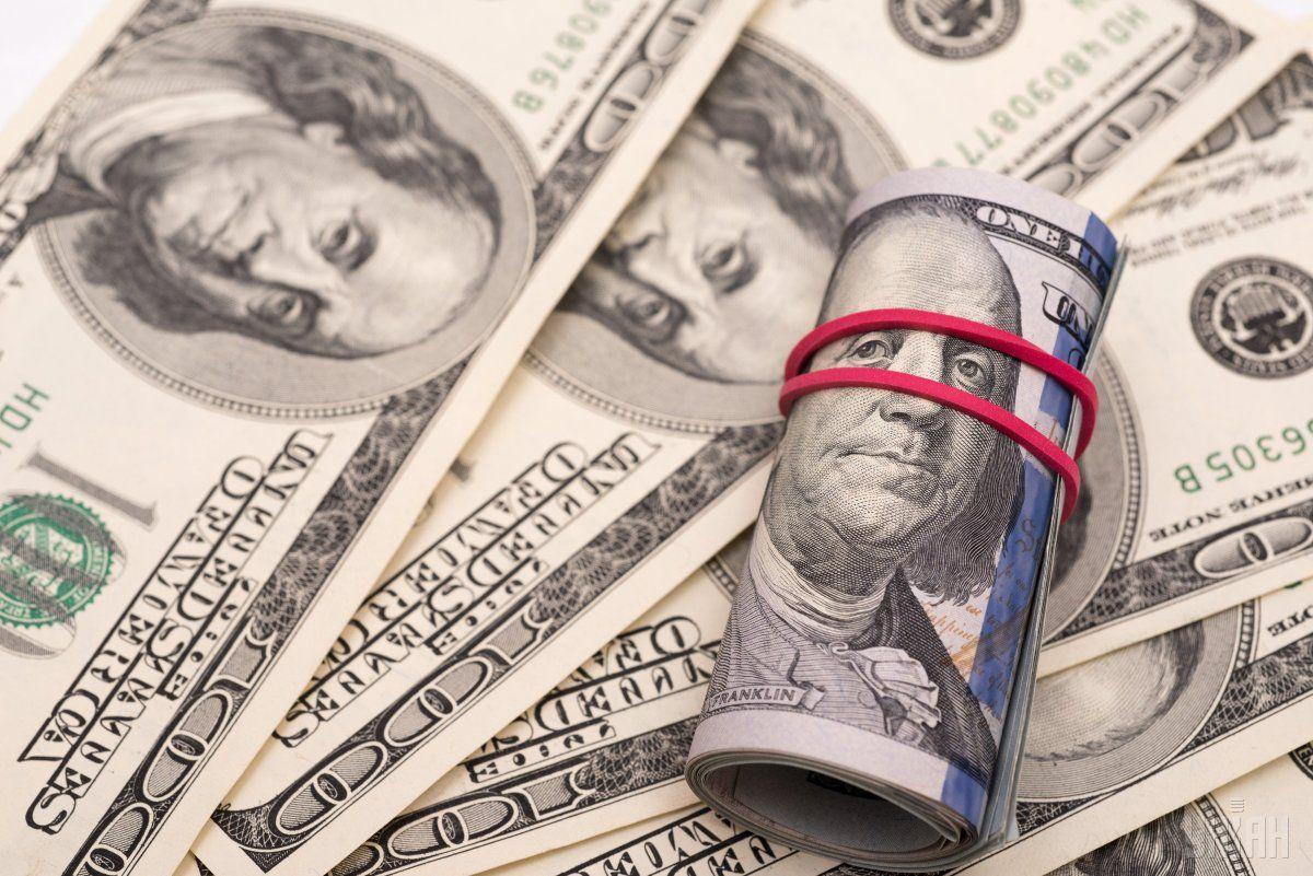 Чиновники требовали взятку в 17 тысяч долларов / фото УНИАН