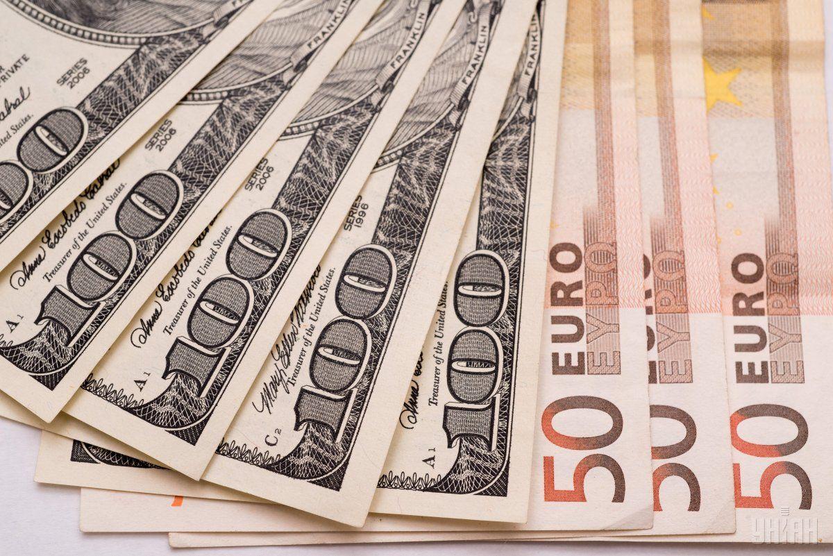В Україні дорожчає валюта / фото УНІАН