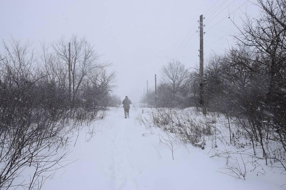В докладе отмечают регулярные перестрелки, которые происходят на Донбассе / фото Лана Борисова, Facebook