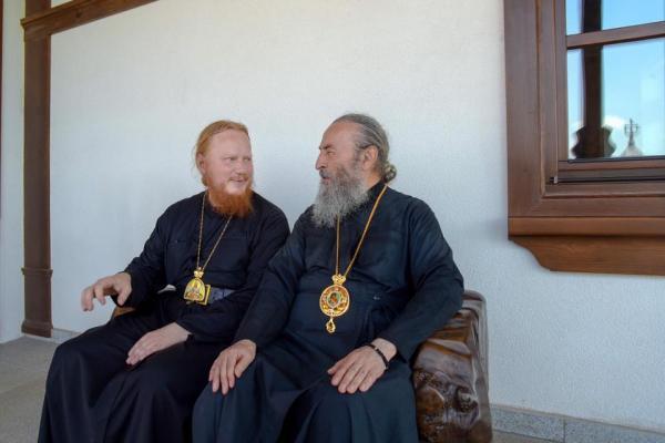 Митрополит Онуфрий с архиепископом Обуховским Ионой / otrok-ua.ru