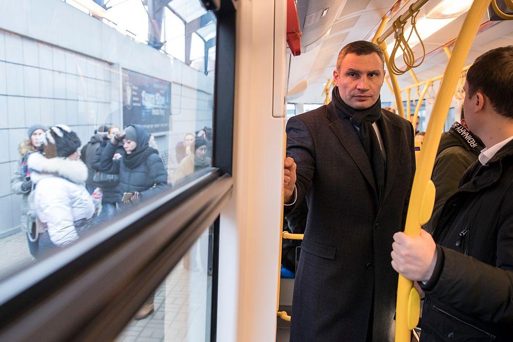 Кличко будет продолжать вкладывать средства в закупку современного коммунального транспорта / фото kiev.klichko.org