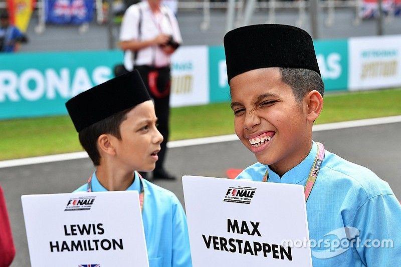 Девушек-моделей заменят на детей на стартовых решетках Формулы-1 / motorsport.com