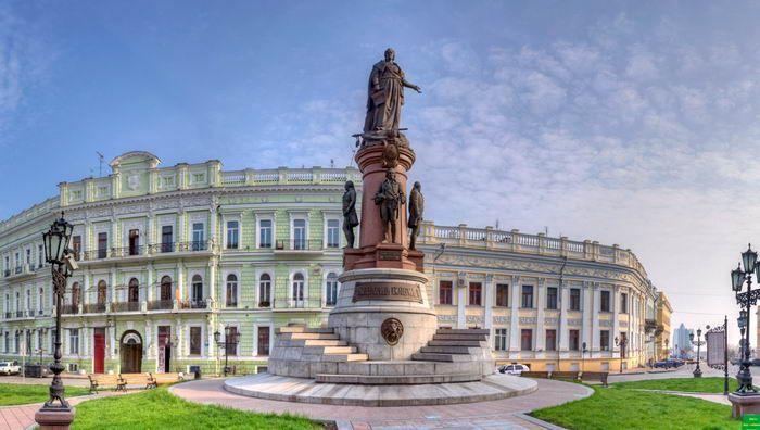 Пам'ятник Катерині II залишиться на своєму місці / фото culturemeter.od.ua