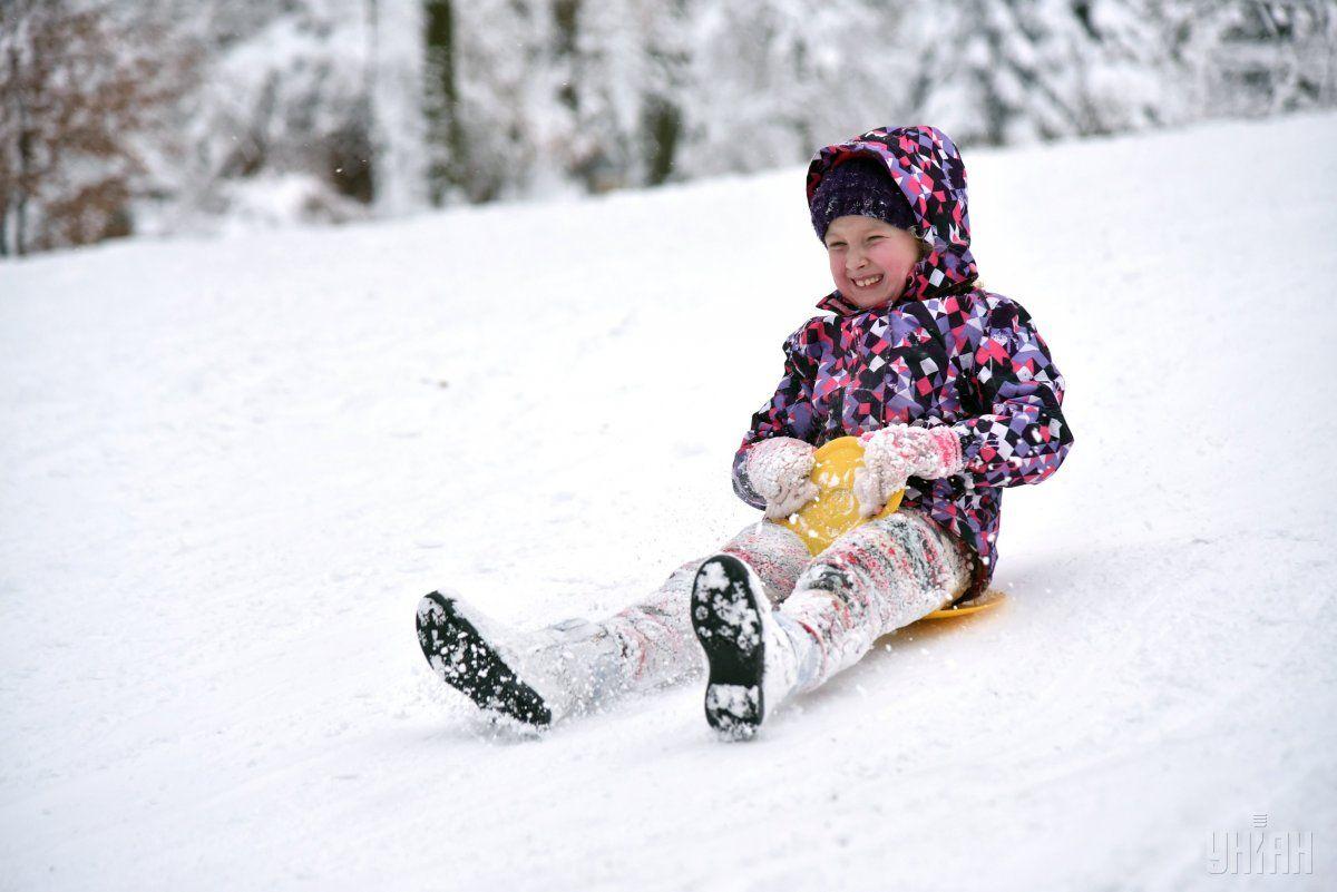 Снег безопаснее всего есть свежим и в небольших количествах / фото УНИАН