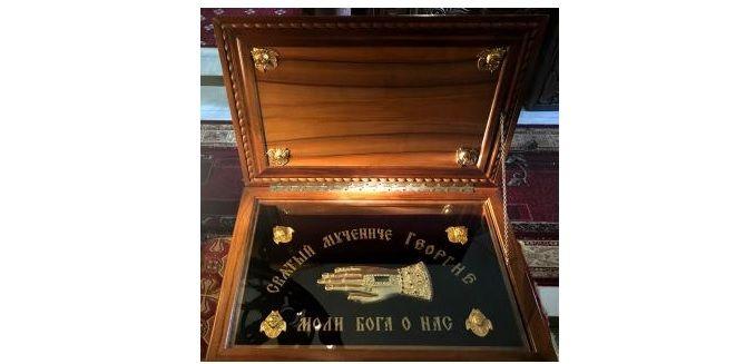 В Десятинный монастырь прибыла десница Георгия Победоносца / desyatynniy.org