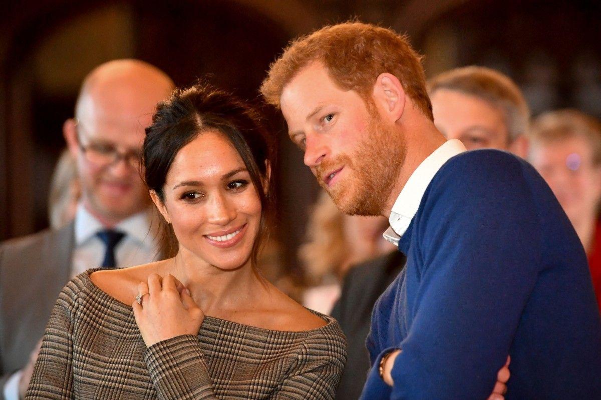 Принц Гарри оставил Меган Маркл дома, а сам отправился в Ботсвану
