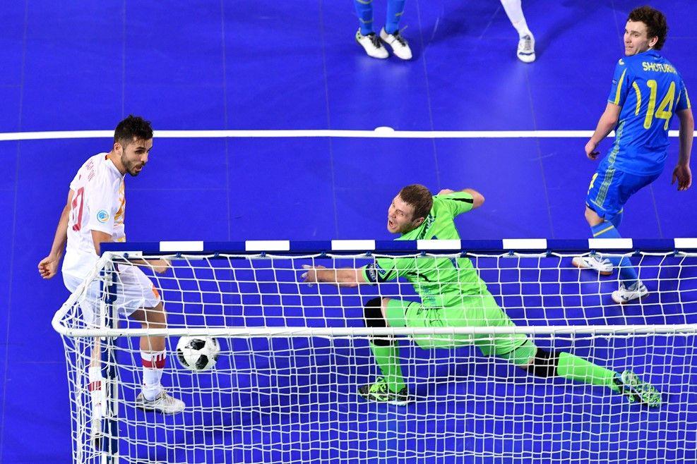 Украина - Испания - 0:1 / uefa.com