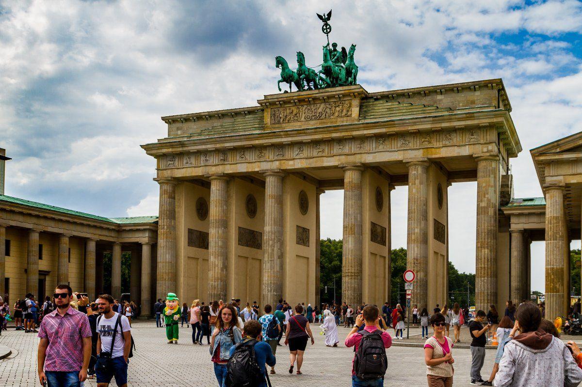 В Берлин вскоре можно будет доехать и на поезде / Фото УНИАН