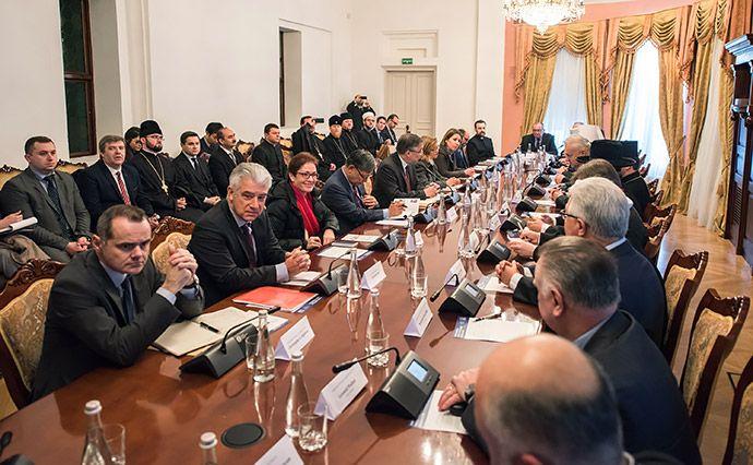 Посли країн G7 обговорили стан реформ з Всеукраїнською Радою Церков / irs.in.ua