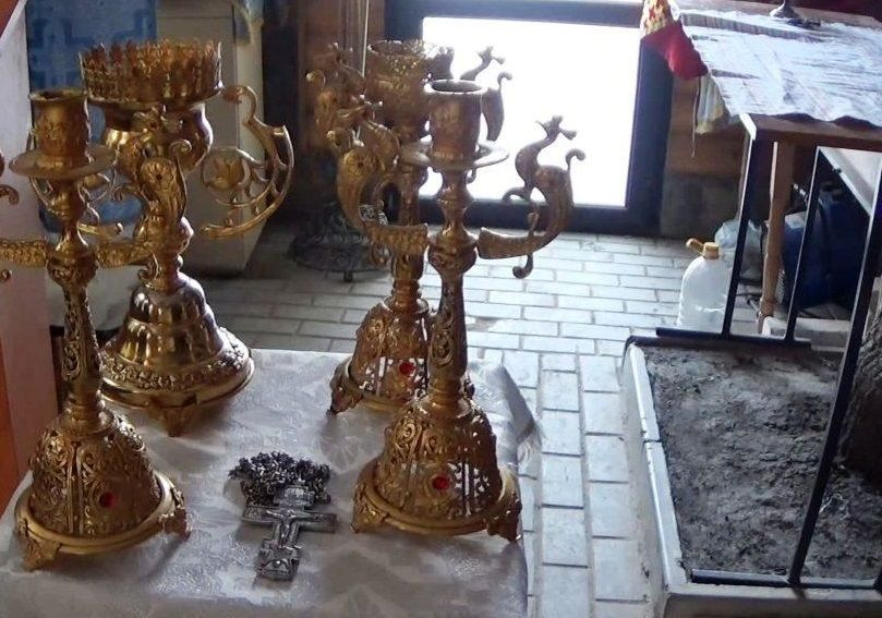 Мешканку Подільського підозрюють у крадіжці дорогоцінного лампад і свічників / usionline.com