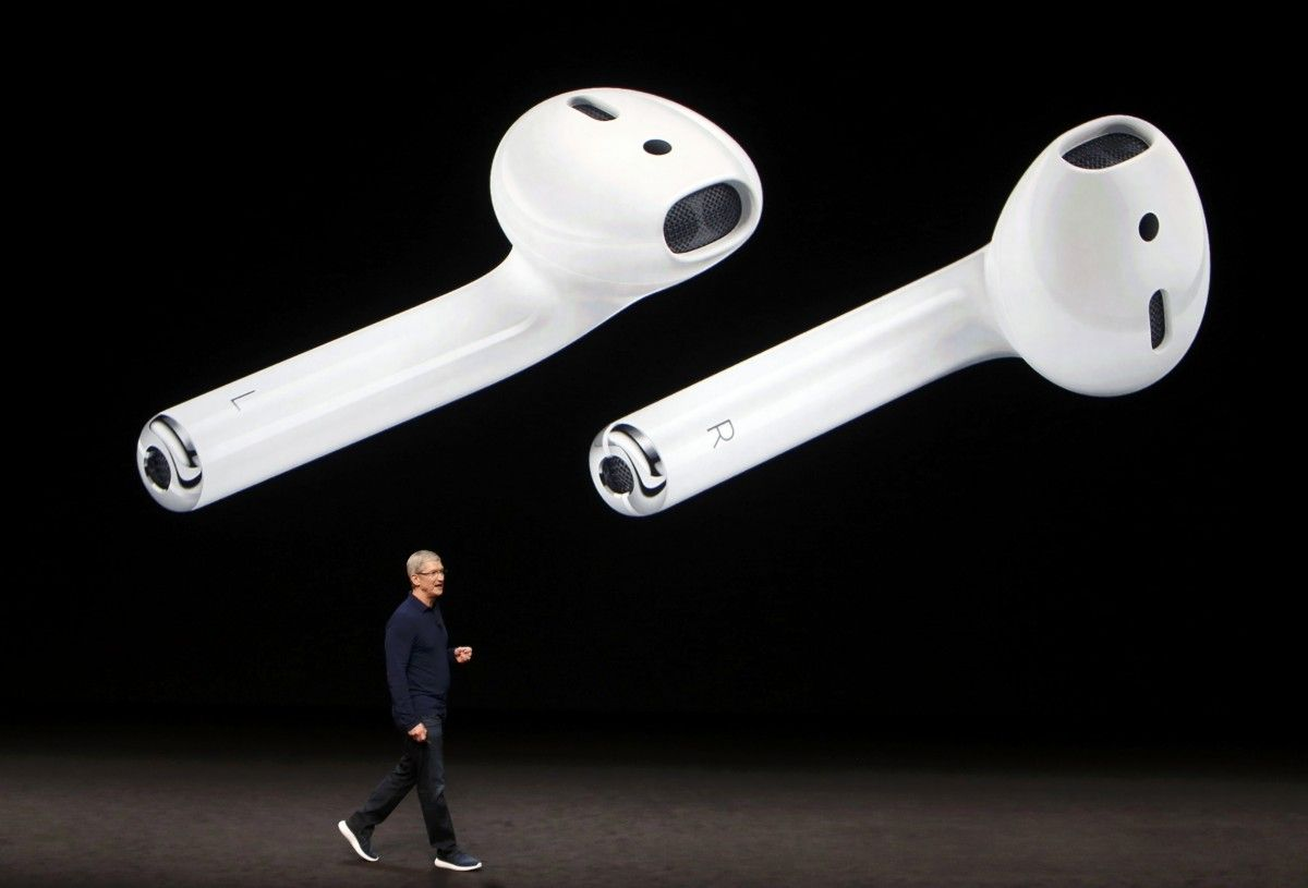 Apple AirPods / REUTERS