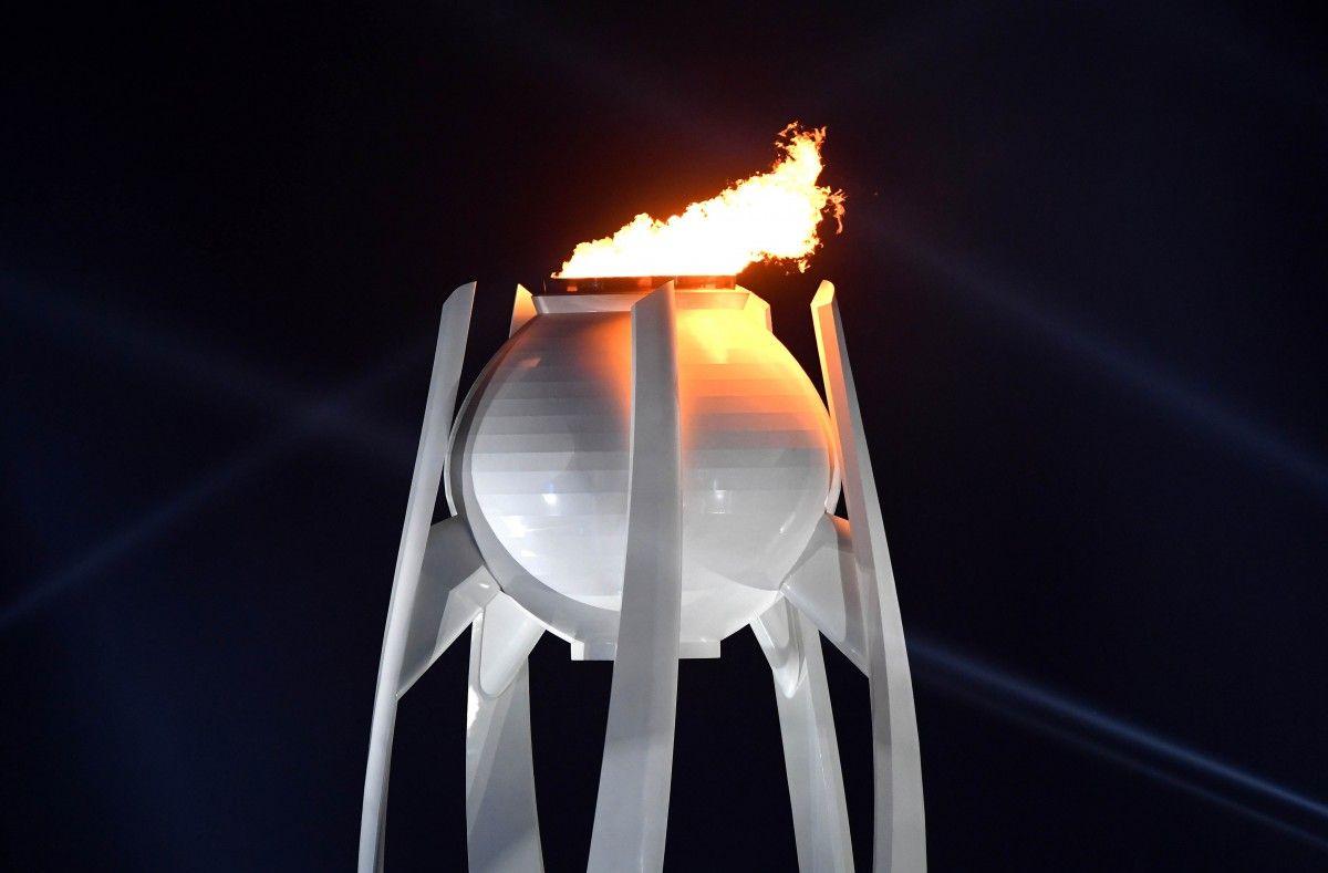 Олимпийский огонь в Пхенчхане / REUTERS