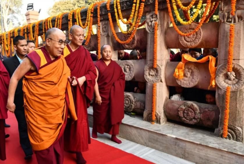 Тысячи китайцев выразили недовольство за цитирование духовного лидера Тибета  / washingtonpost.com