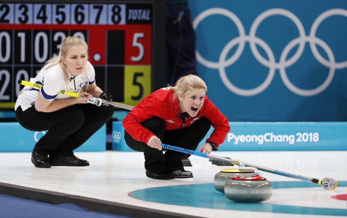 Сборная Норвегии обыграла Финляндию в турнире по керлингу / Reuters