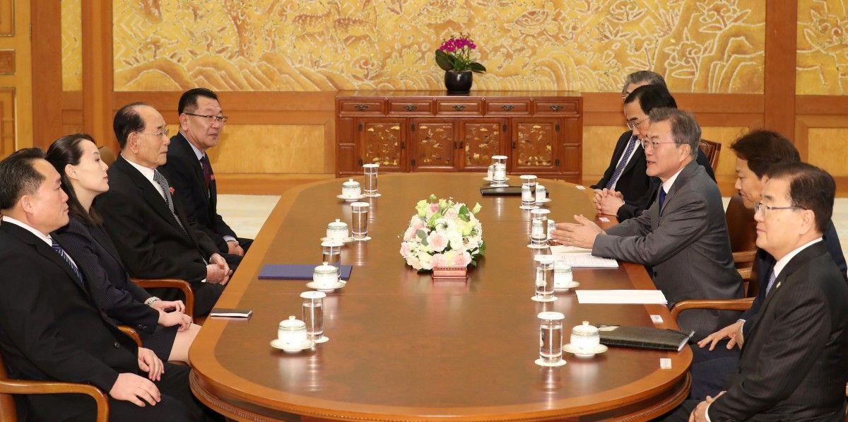 Встреча в Сеуле / REUTERS
