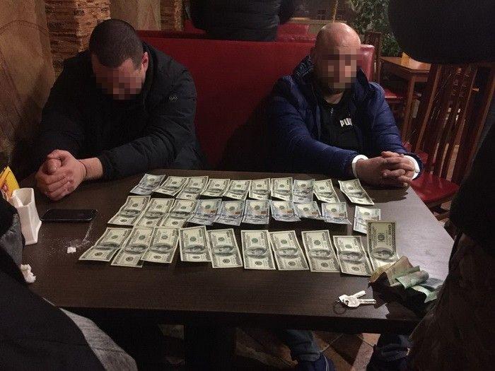 В Луцке сотрудника СБУ задержали во время получения взятки в размере 3 тыс. долларов / Фото ssu.gov.ua