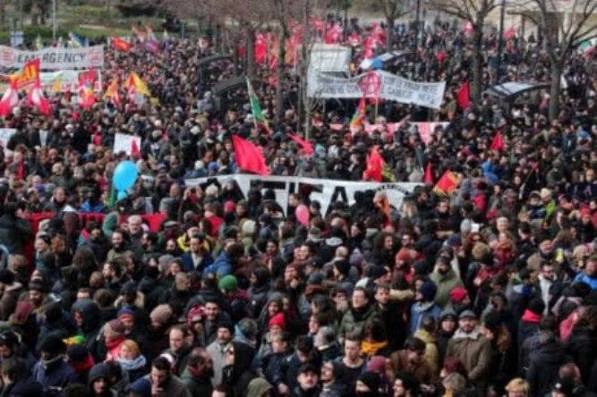 Итальянцы вышли на многотысячный протест против расизма / фото LaPresse