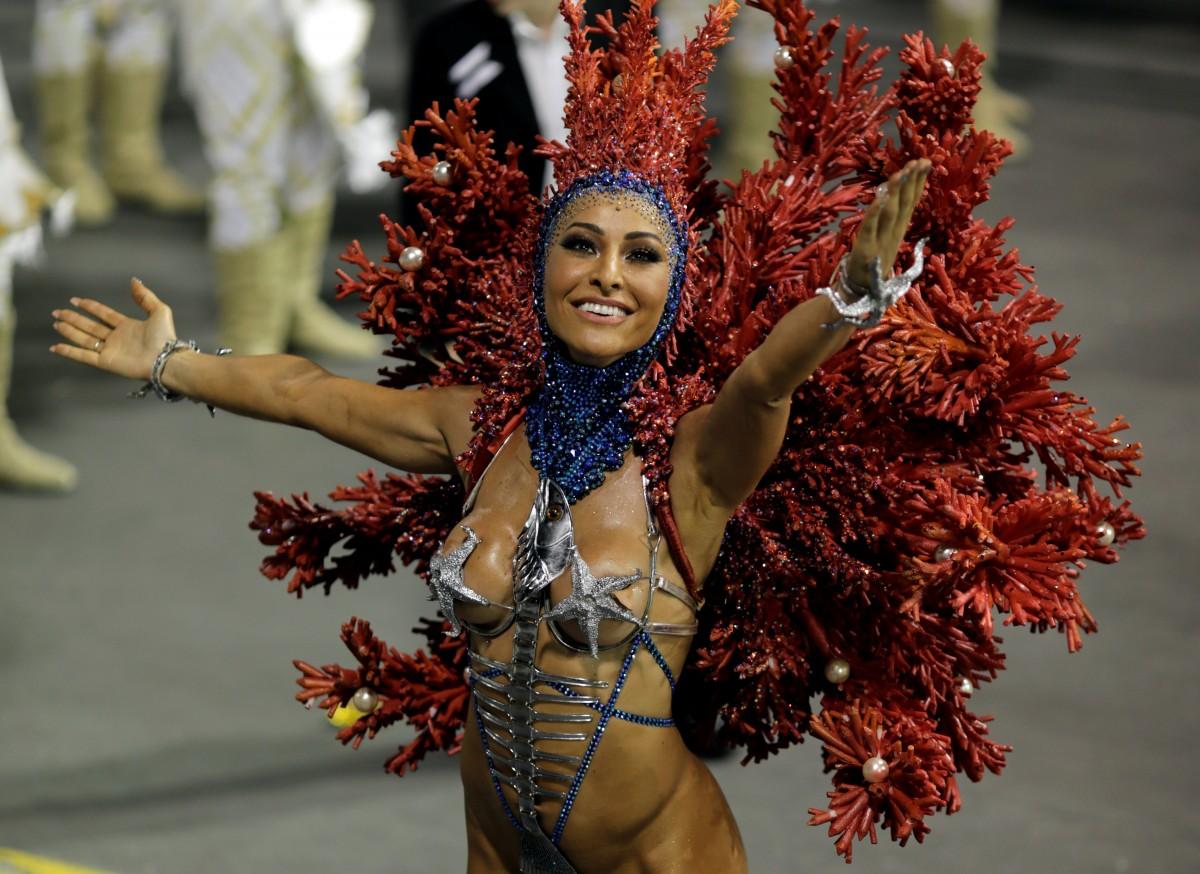 Карнавал в рио костюмы фото позволяет создавать