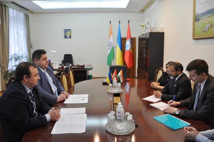 Игорь Гундич провел встречу с послом Индии по налаживанию сотрудничества / oda.zt.gov.ua