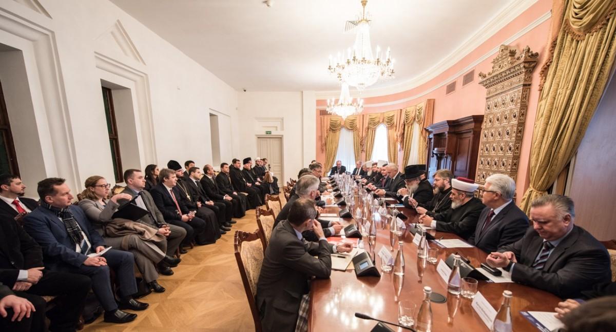 ВРЦіРО планує висловитися щодо недопустимості втручання державних органів  у порядок звершення таїнств та обрядів / news.church.ua