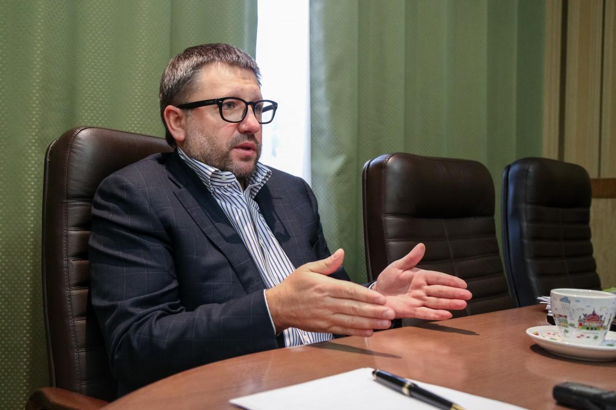 Чернишов стверджує, що для прийняття відповідного закону повинен бути закладений фундамент / фото УНІАН