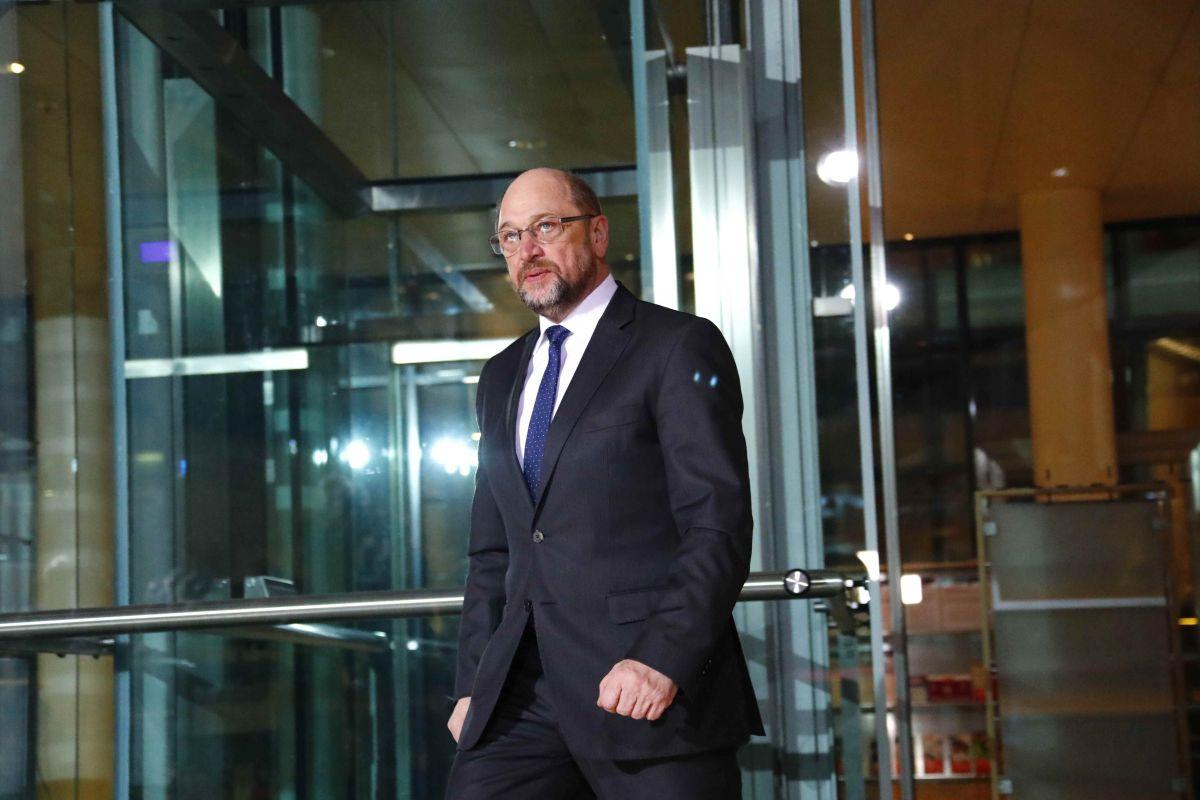Германские СМИ проинформировали, что Шульц немедленно оставляет пост руководителя СДПГ