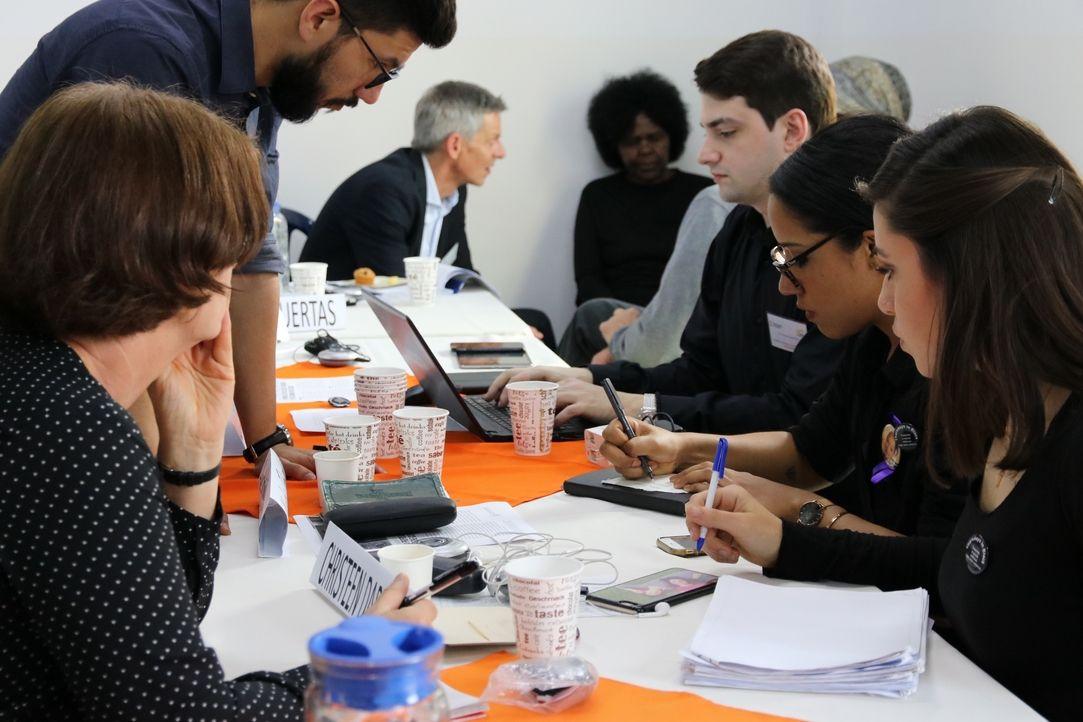 Члены группы провели ряд совместных заседаний с представителями различных политических и социальных кругов страны / mospat.ru