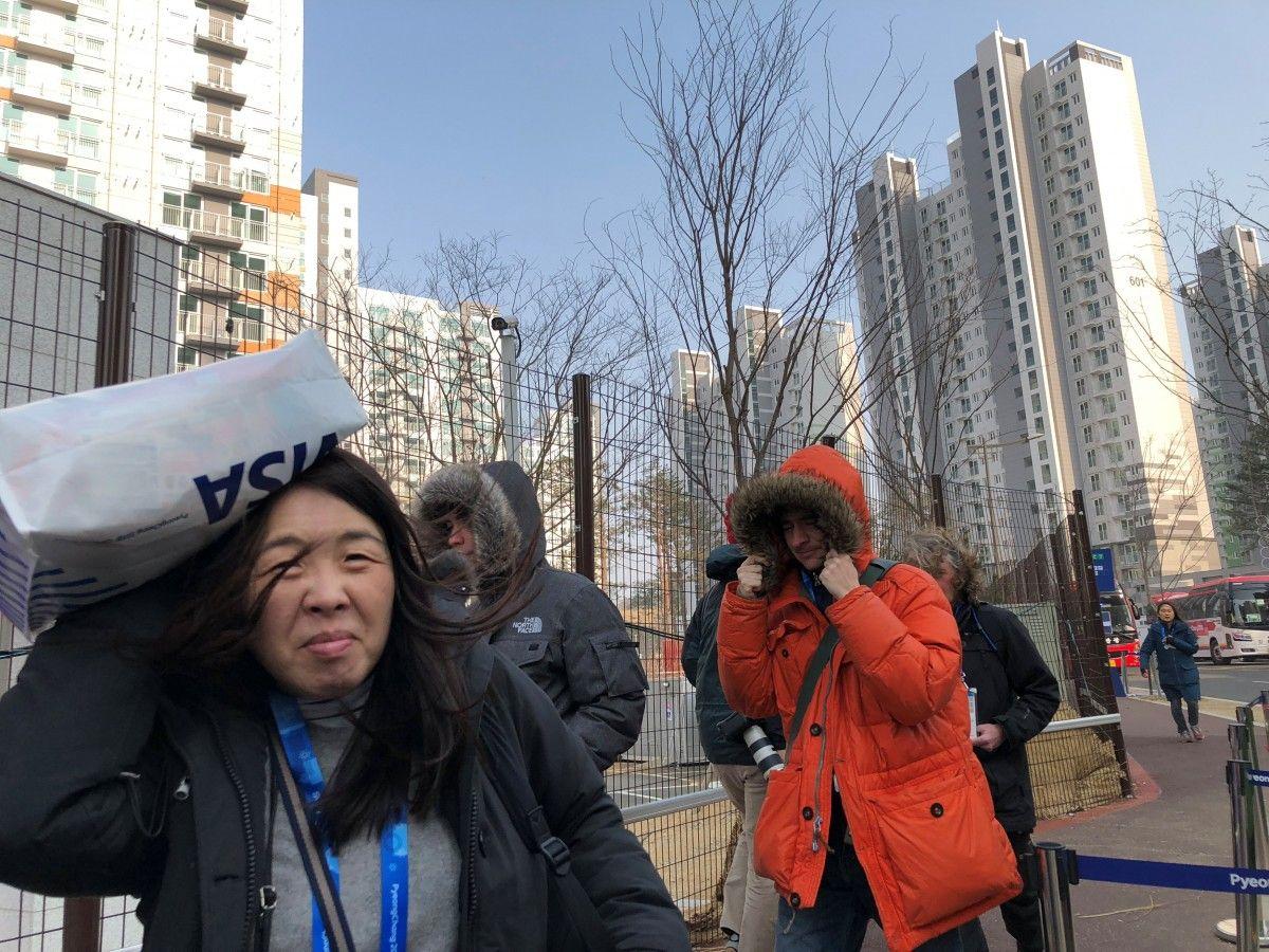 Ураган в Пхенчхане вносит коррективы в расписание Игр / Reuters