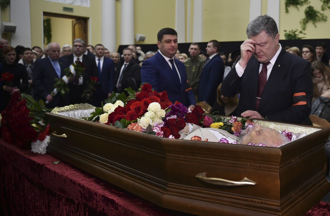 Попович зробив значний внесок у консолідацію українського суспільства та розвиток демократії / Фото president.gov.ua