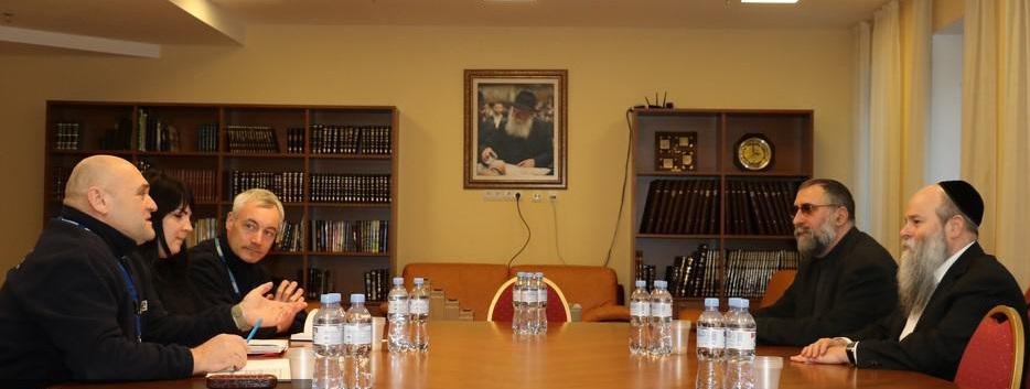 Команда ОБСЕ также интересовалась у раввина условиями для прекращения войны на востоке / djc.com.ua