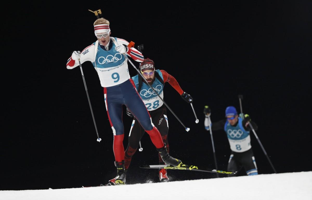 Йоханнес Бё выиграл индивидуальную гонку в олимпийском Пхенчхане / Reuters