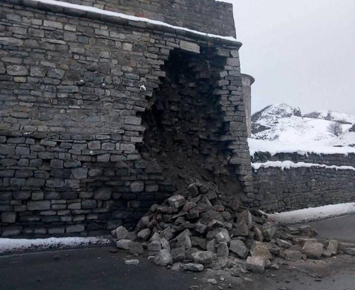 В Каменце-Подольском обвалилась стена крепости / фото facebook.com/simashkevich
