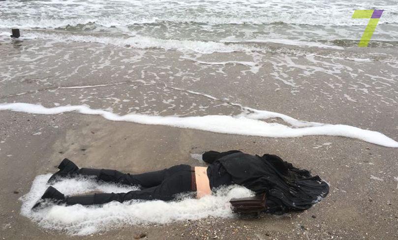 Наодесском береге найдено тело девушки
