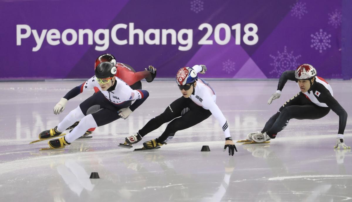 Канадец Жирар сенсационно выиграл олимпийский турнир в шорт-треке на 1500 метров / Reuters