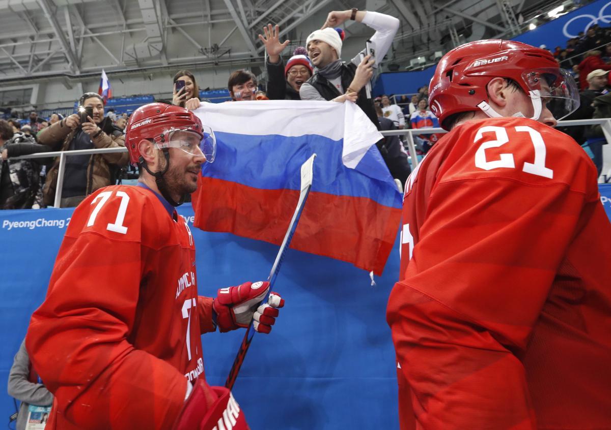 Илья Ковальчук сделал дубль в матче хоккейного турнира Олимпиады Россия - США / Reuters